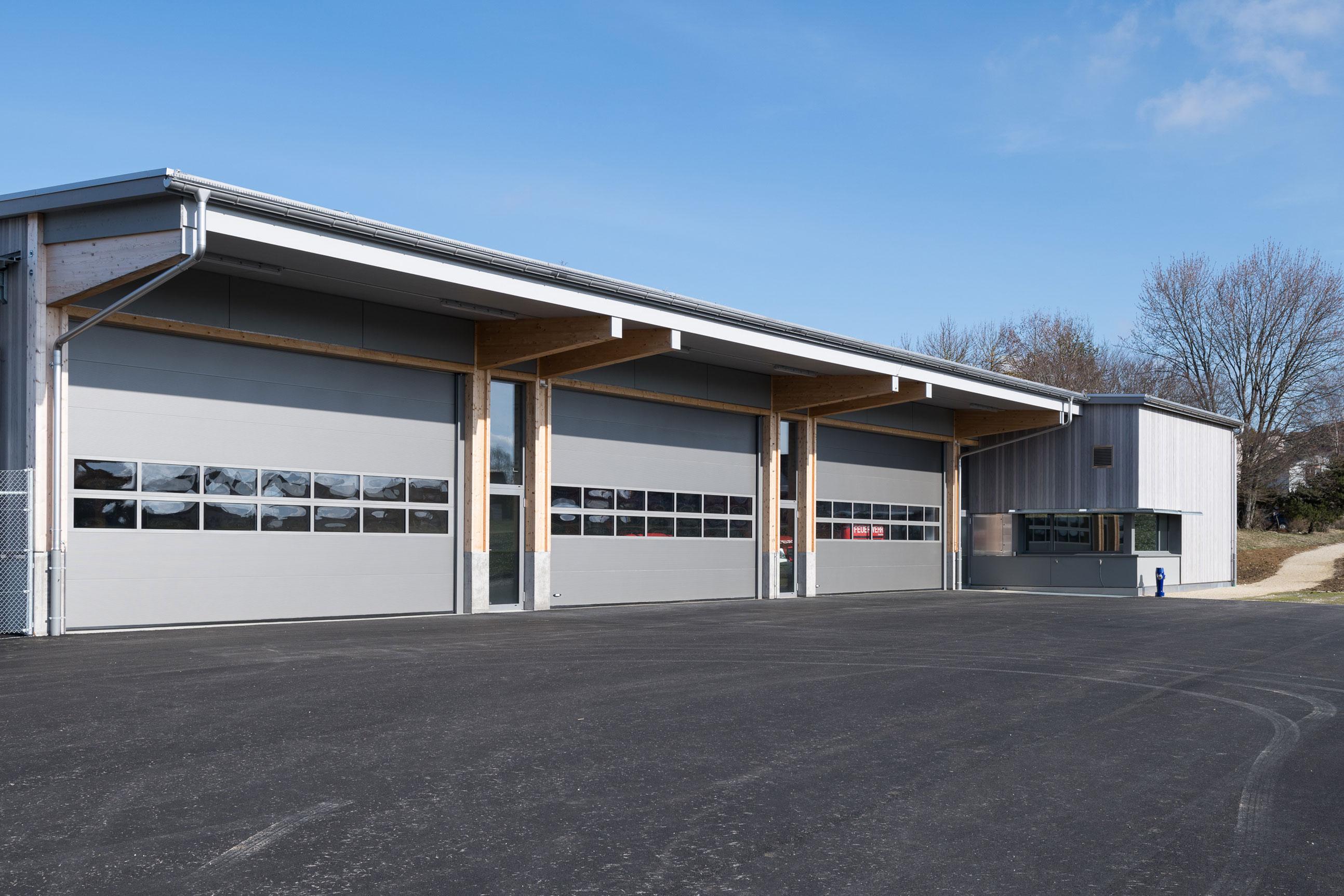 Minergie Feuerwehrmagazin Lohn Holzbau 1
